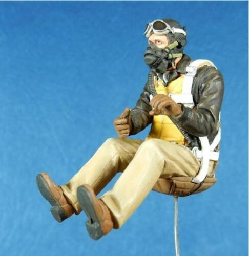 WW2 Resin Figure Model Kit Man Pilot Soldier Oxygen Mask Military Army Seated