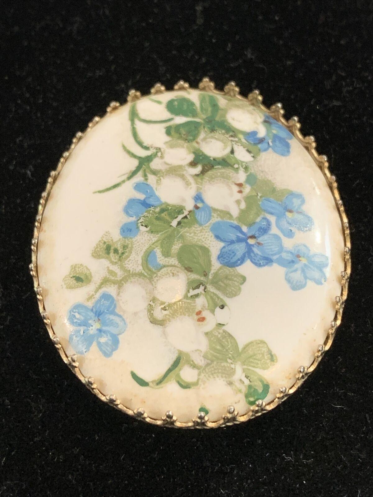 Vintage Hand Painted Porcelain Flower Brooch Oval… - image 5