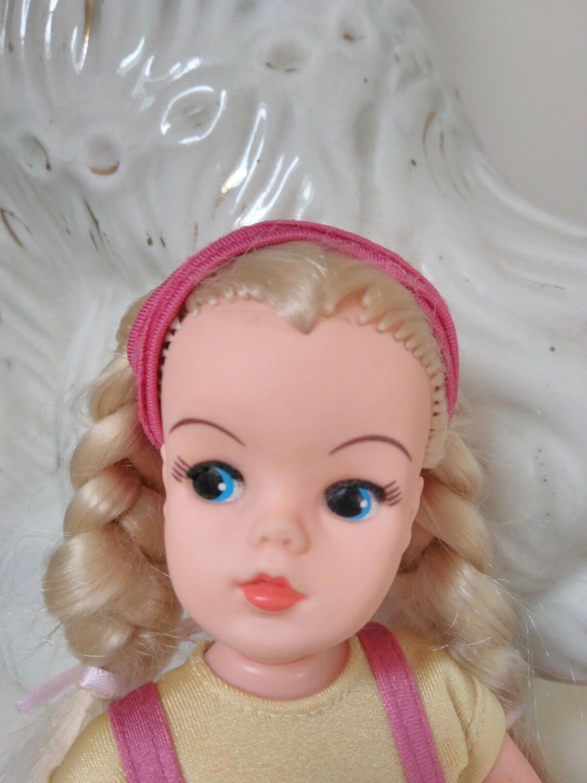 Gorgeous shaping up sindy doll from the 1980s dressed in complete outfit ROTuced