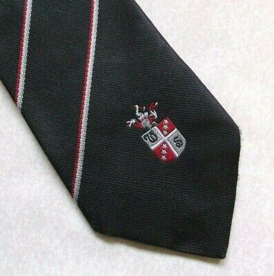 Coraggioso Vintage Cravatta Da Uomo Cravatta Scudo Crested Club Associazione Nero A Righe 1980s-mostra Il Titolo Originale