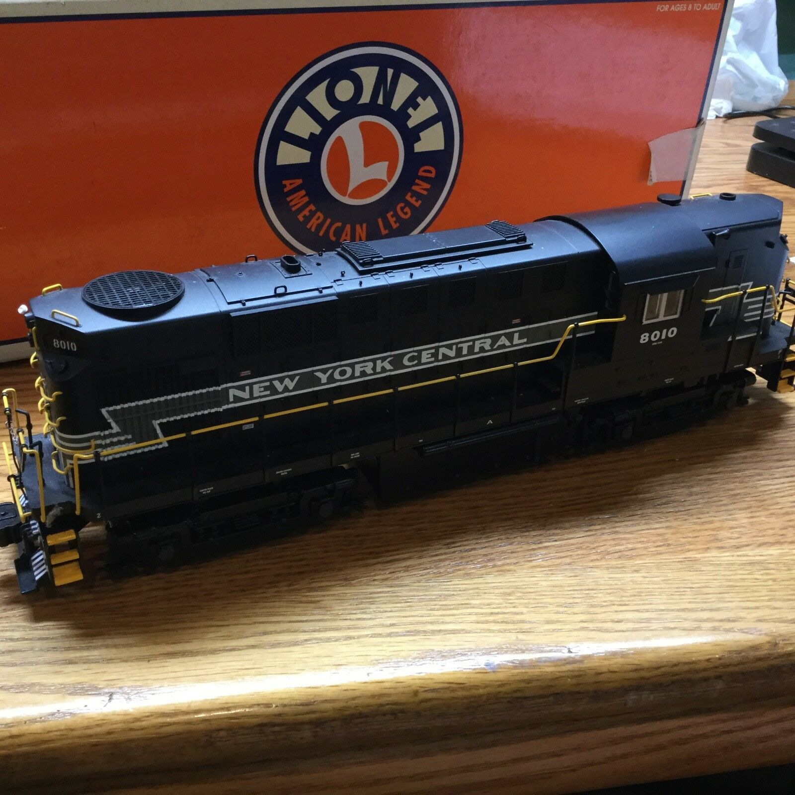 Lionel RS-11 NYC Command 8010 6-18598