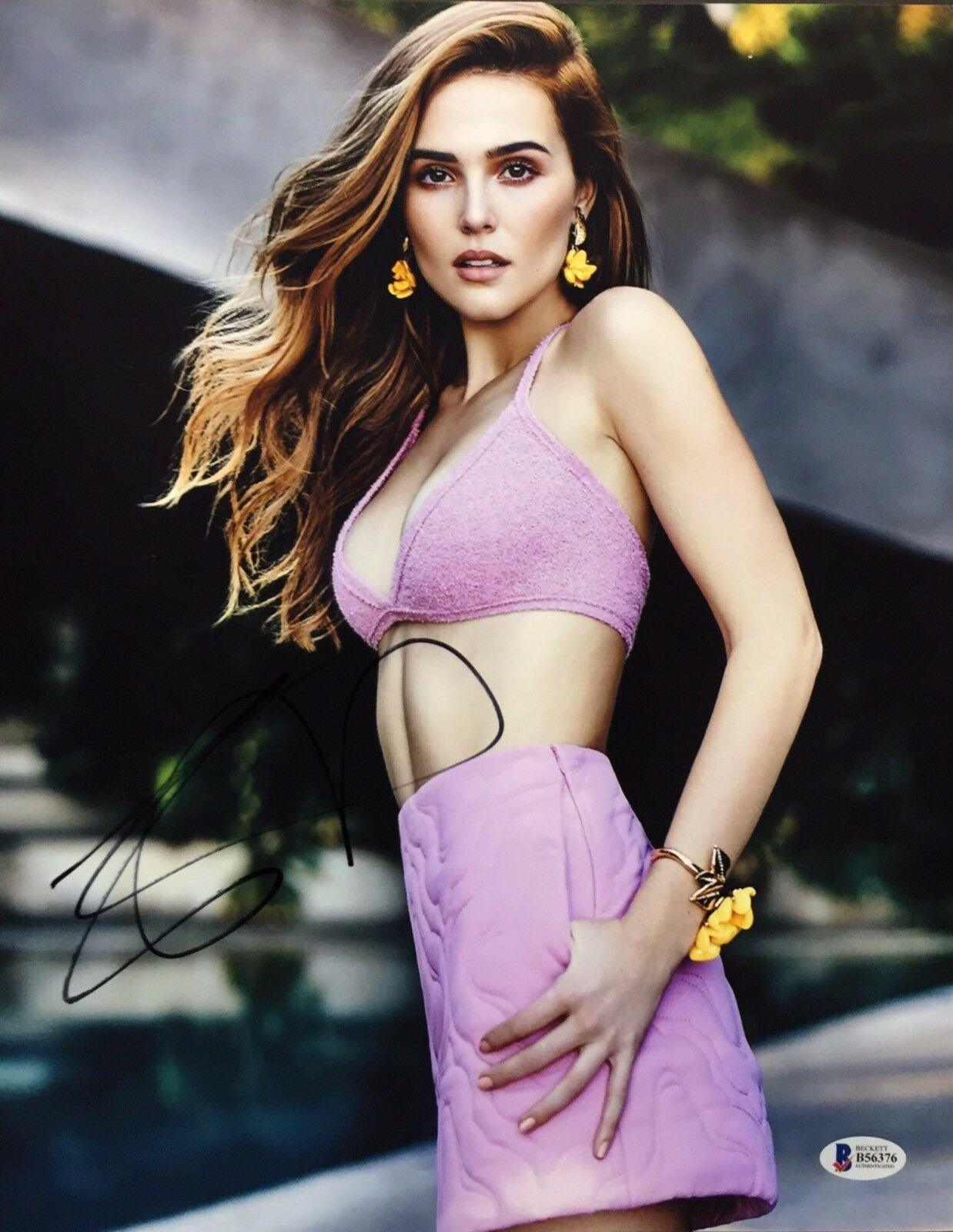 Zoey Deutch Signed 11x14 Photo *Model *Before I Fall *Why Him Beckett BAS B56376