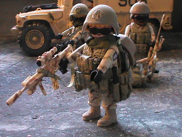 PLAYMOBIL PERSONNALISÉ US MARINE JOINT UNIF.DESERT (IRAK-2003) REF-0189 BIS