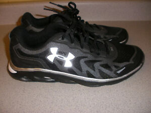 aebd8bfd69b52 Details about Under Armour Men's UA Spine Venom 2 Running Shoes Black Size  8.5