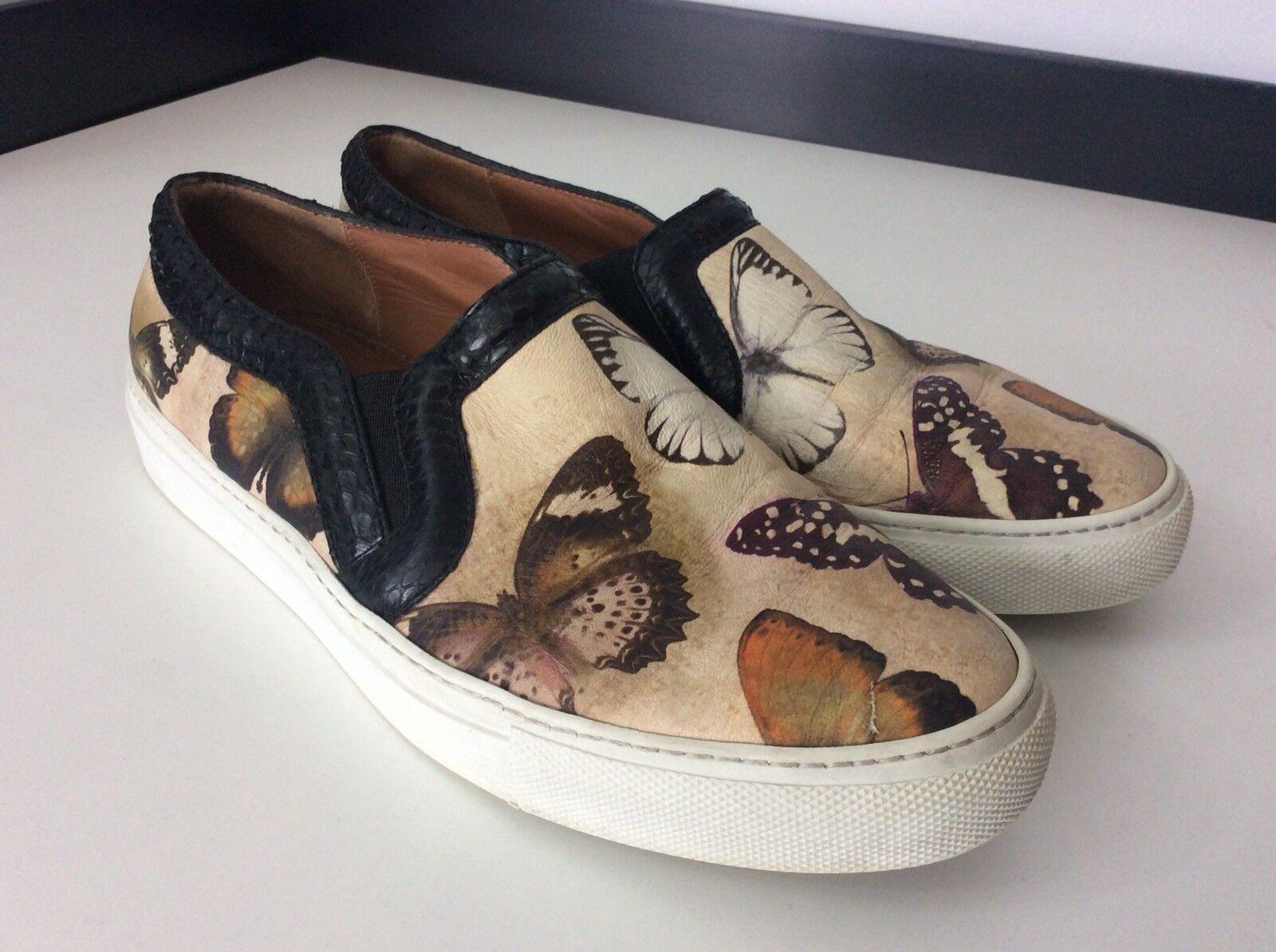 Givenchy Loafers Slip On Flats shoes Size 38 Moccasins Moth Butterfly