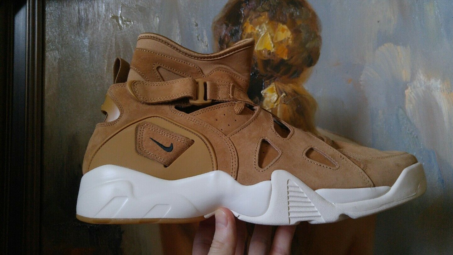 Nike Air Unlimited wheat size 13 889013 200 Flax Outdoor Green Sail retro tan