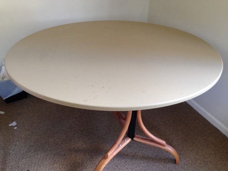 6 8 Seater Round Dining Table Restaurant Catering Equipment Stellenbosch Gumtree Classifieds South Africa 248169354
