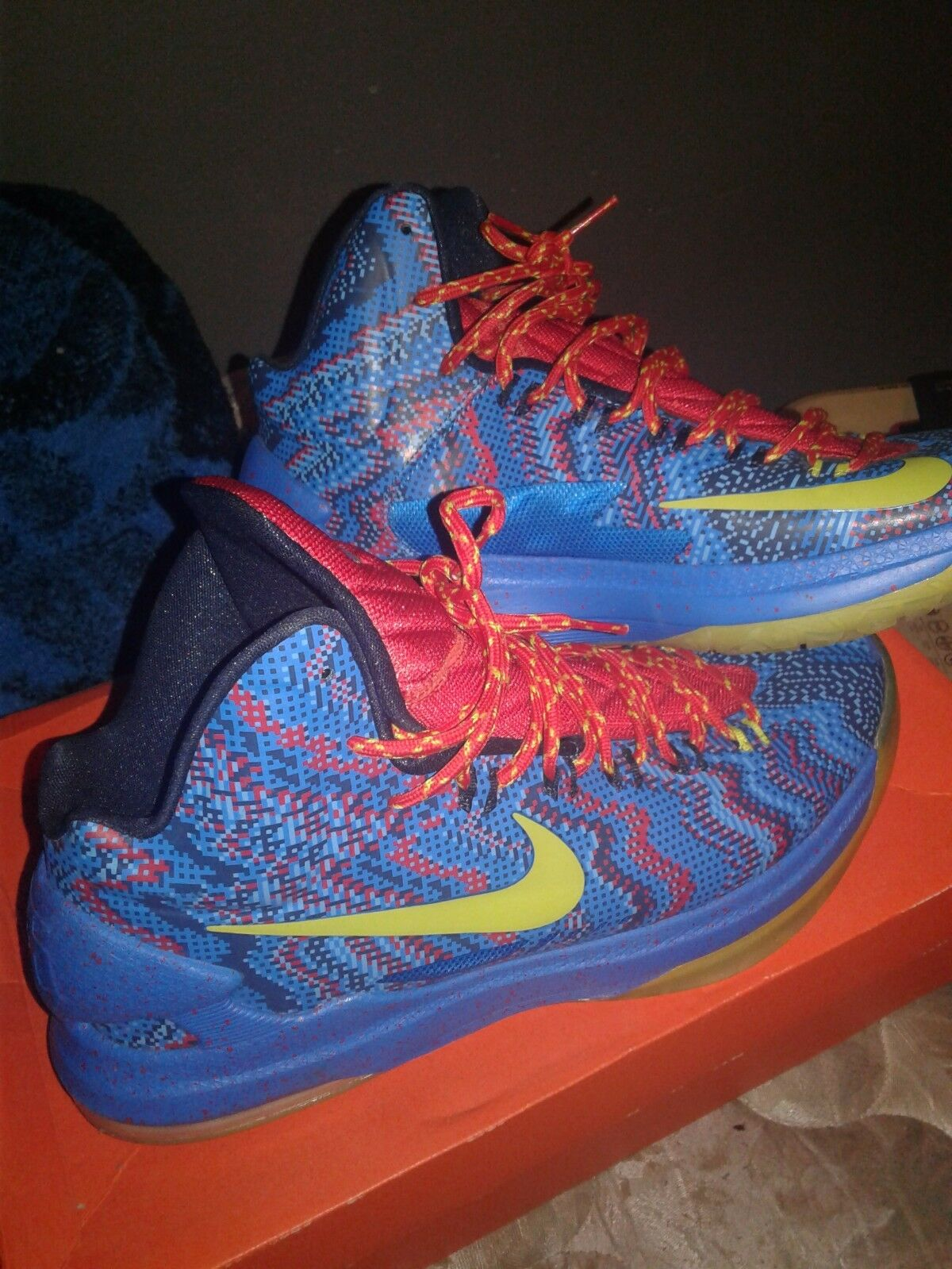Kevin Durant Christmas 5s size 11