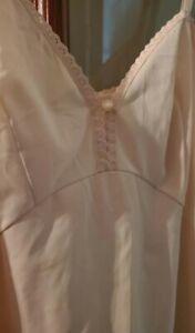 Vintage-Vanity-Fair-Beige-Nylon-Full-Slip-Chiffon-Encased-Lace-Bust-38-Lingerie