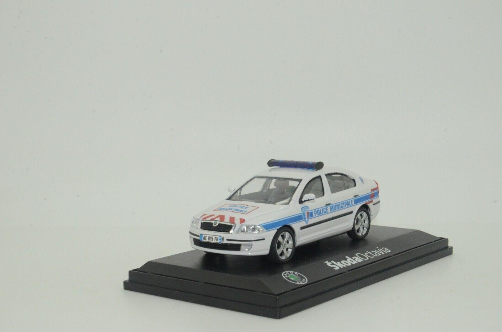 Rara Skoda Octavia II Francia policía emitida Hecho a Medida 1 43