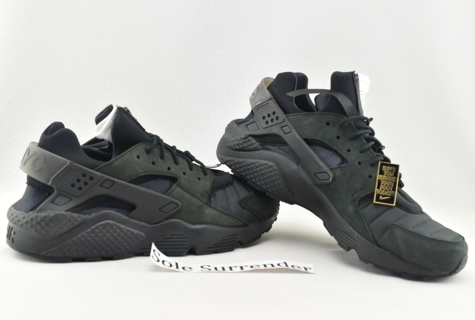 Nike Air Huarache Run QS NYC - CHOOSE SIZE - AJ5578-001 Triple Blackout New York