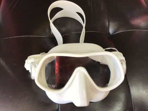 Sub Gear Mask Steel Pro White