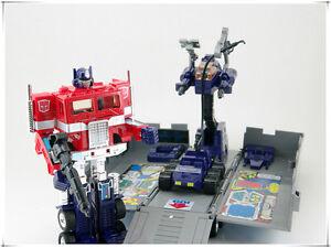 Transformers-Generation-1-Autobot-Commander-Optimus-Prime-G1-Action-Figure