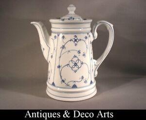 Antieke-Porseleinen-Koffiepot-Handbeschilderd-Cafetiere-Antique-en-Porcelaine
