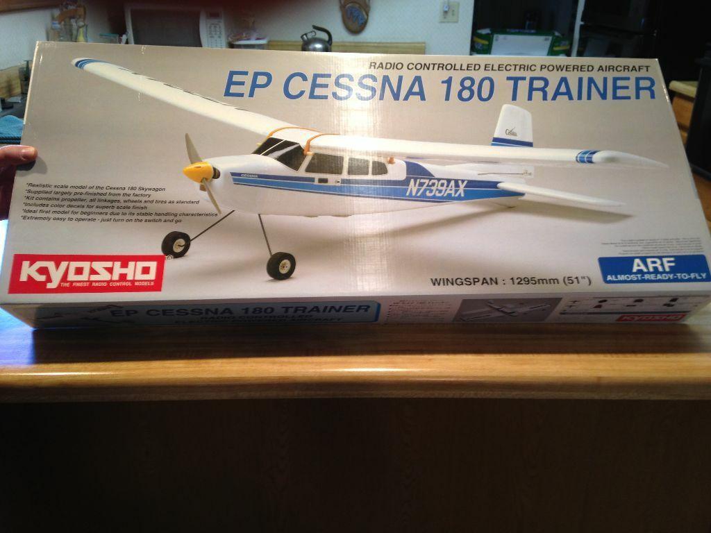 Nuevo R c Kyosho EP Cessna 180 entrenador ARF Kit con Motor