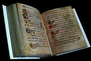 The-Book-of-Kells-Facsimile-678-full-color-pages-leather-reproduction