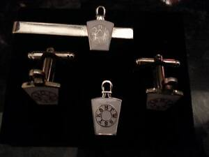 White-Mark-Mason-Keystone-with-Lewis-Cufflink-Tieslide-lapel-pin-set-Masonic