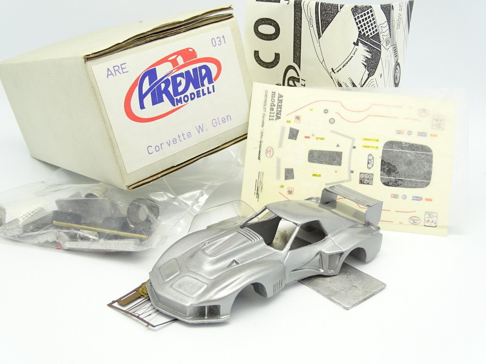 Arena Kit à Monter 1/43 Chevrolet Corvette Watkins Watkins Watkins Glen 1977 | La Construction Rationnelle