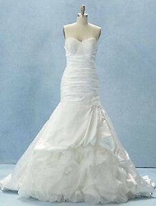 NWT-Alfred-Angelo-212-Fairy-Tale-Weddings-size-10-Ivory-long-formal-bridal-gown