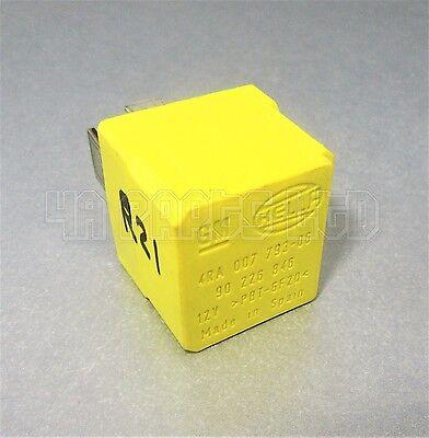 VAUXHALL ASTRA H jaune Hella Relais-GM 90 226 846 4RA 007 793-06