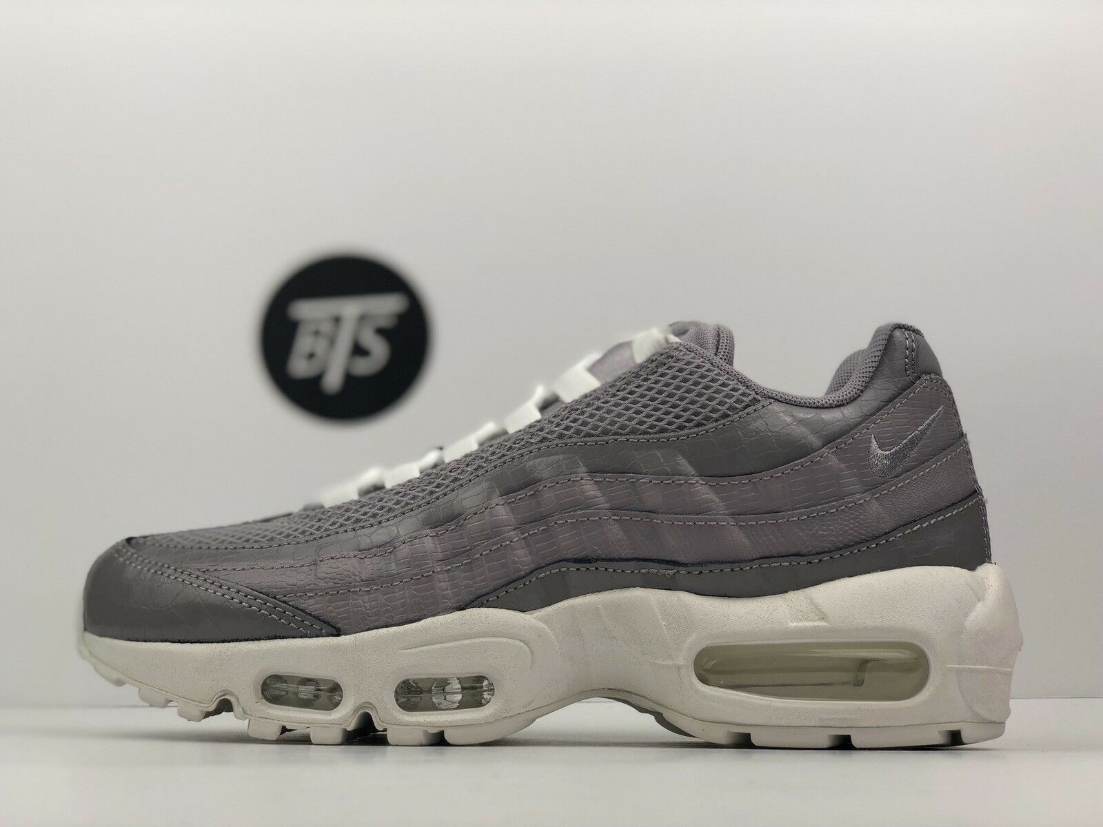 "Women's Nike Air Max 95 PRM ""Atmosphere"" Size-7.5 Grey White (807443 015)"
