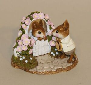 Wee Forest Folk Mousie Comes A-Calling Pink Flowers FS-03 Boy & Girl Mouse Gate