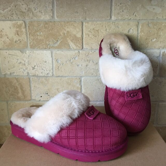 d33a79ca8b2 UGG COZY DOUBLE DIAMIND LONELY HEARTS SLIPPERS SLIP-ON SHOES SIZE US 6  WOMENS