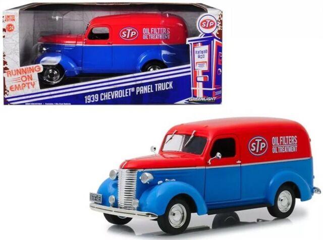 1:24 Scale 1939 Chevrolet Delivery Truck STP Oil Diecast Greenlight Model Van