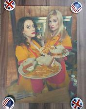 "Poster Plakat ""Max & Caroline"" Sitcom-Poster - Retro-Style"