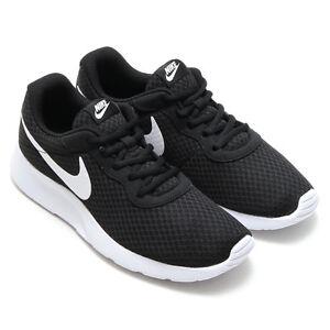 Detalles acerca de Para hombres Nike Tanjun Calzado para Correr NegroBlanco 812654 011 mostrar título original