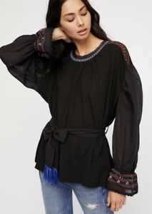 NEW-FREE-PEOPLE-Sz-L-EMBROIDERED-CROCHET-PEASANT-ON-HOLIDAY-TUNIC-BLACK