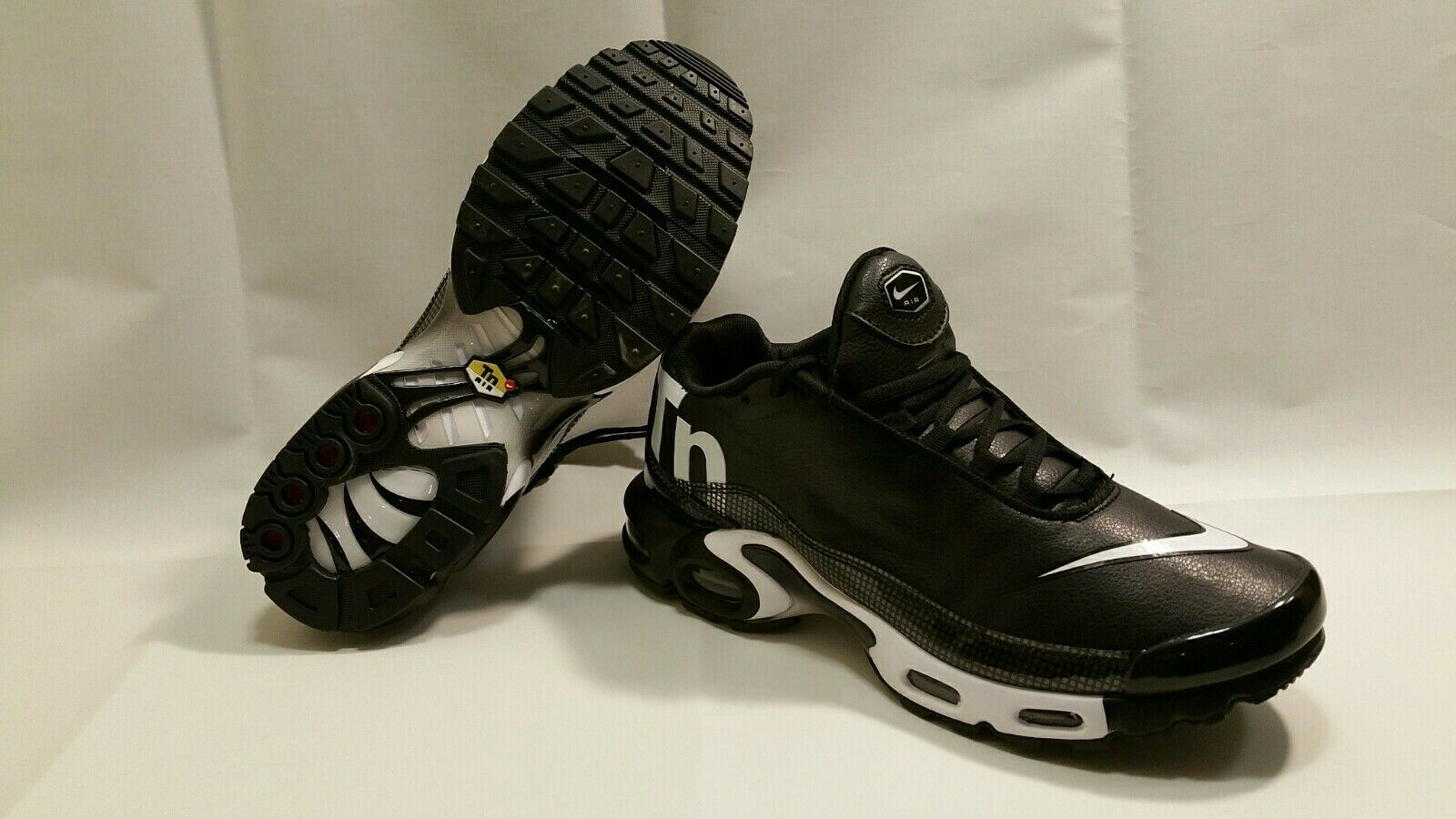 NIKE AIR MAX PLUS TN White Black New Running shoes Size US 12