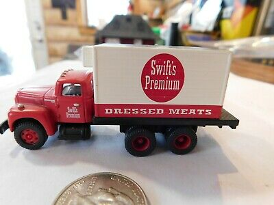"""Mini Metals #30156 /""""Swifts Premium Dressed Meats/"""" IH R190 refrigerated truck."""