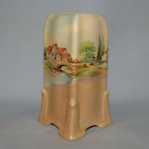 ROYAL-DOULTON-Old-English-Inns-small-vase-D6072-GREAT-SHAPE