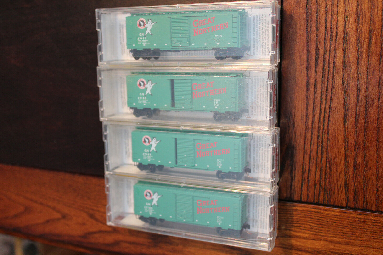 N SCALE LOT OF 4 GREAT NORTHERN (GREEN) 40' STANDARD BOX CAR, MICRO TRAINS
