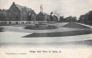 pc230 Vintage Postcard Cottages Boy's Home, St. Charles, Ill.