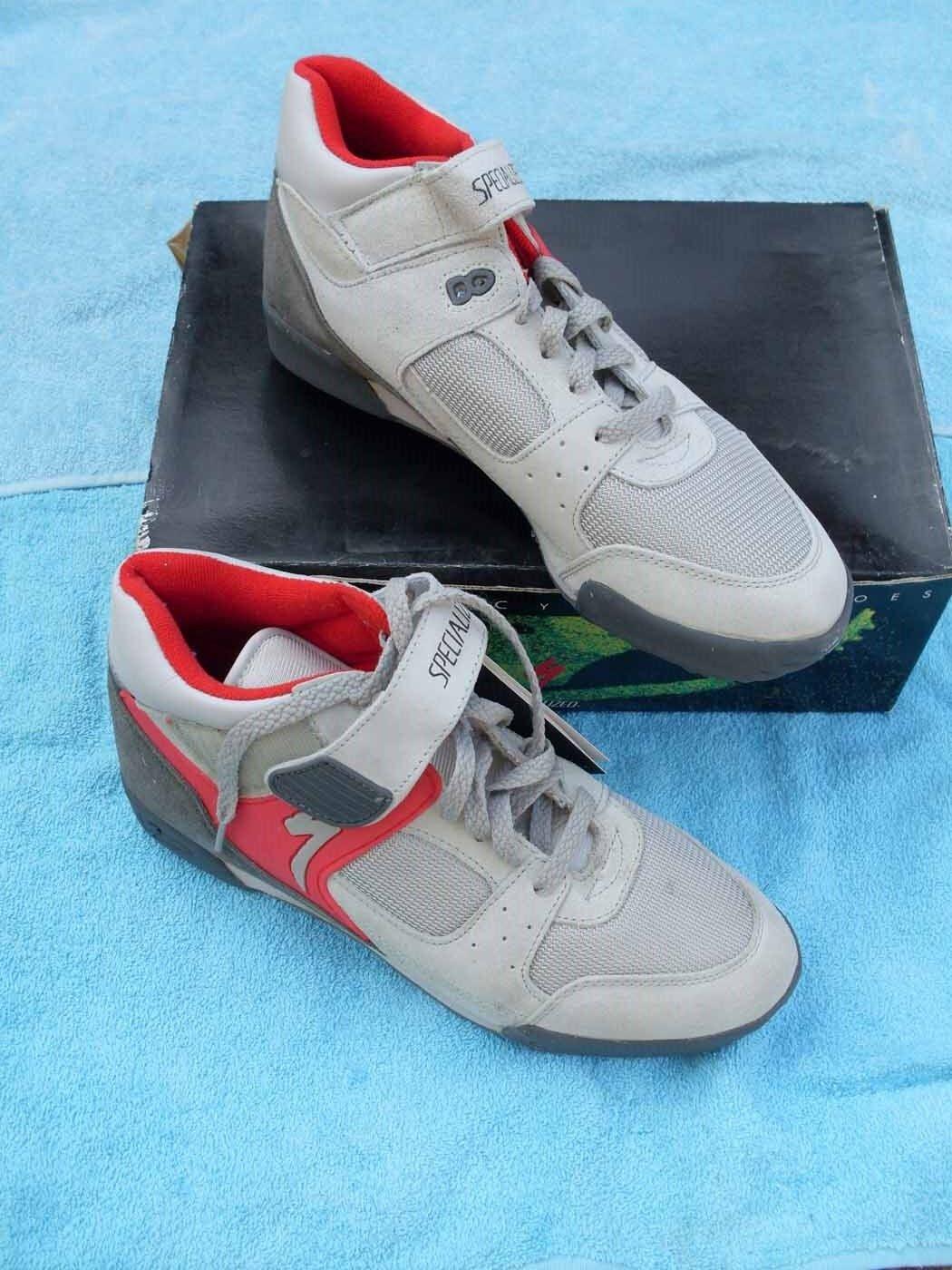 New Cycling scarpe Specialized Dimensione US 10 dirty dog grigio rosso