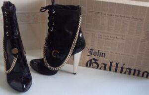 negro color con de de plata 6 Eu Designer 9 5 Galliano Reino Us en Botas punta 40 punta Unido John cadena 0xwX7Pn4