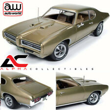 Auto World 1969 Pontiac GTO Hemmings Muscle Machines Cover Car Oct 2006 AMM1081