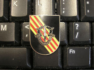 ARMY-HAT-PIN-5th-SPECIAL-FORCES-VIETNAM