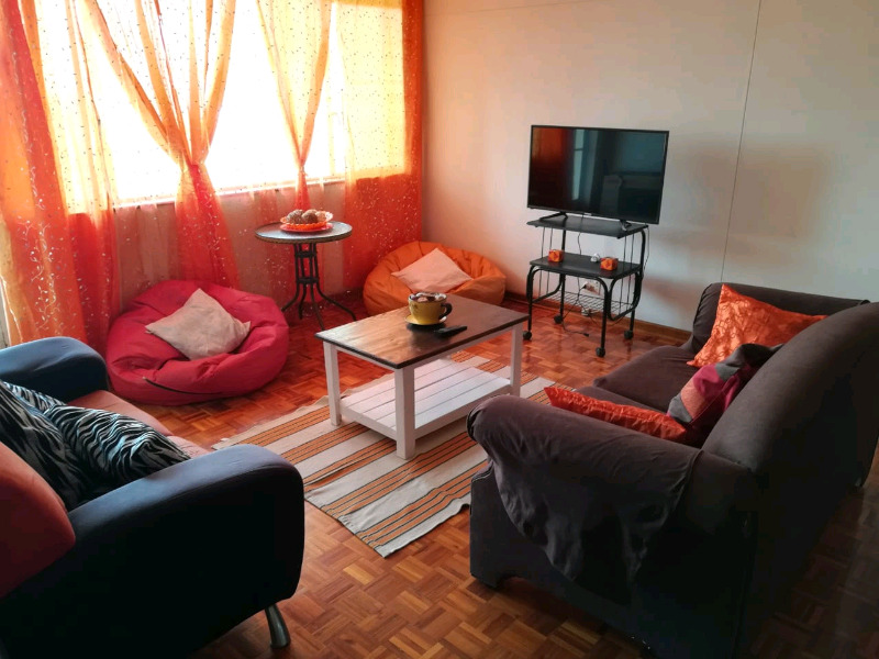 Student Accommodation (last sharing room available!!)