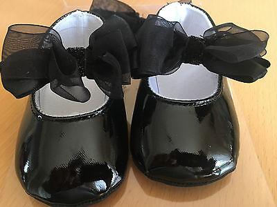 En Caja de Bebé Niñas Negro Zapatos Y Banda para la Cabeza Conjunto.