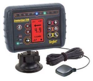 TeeJet-Centerline-mit-Patch-Antenne-GPS-Spurfuehrung-Parallelfahrsystem