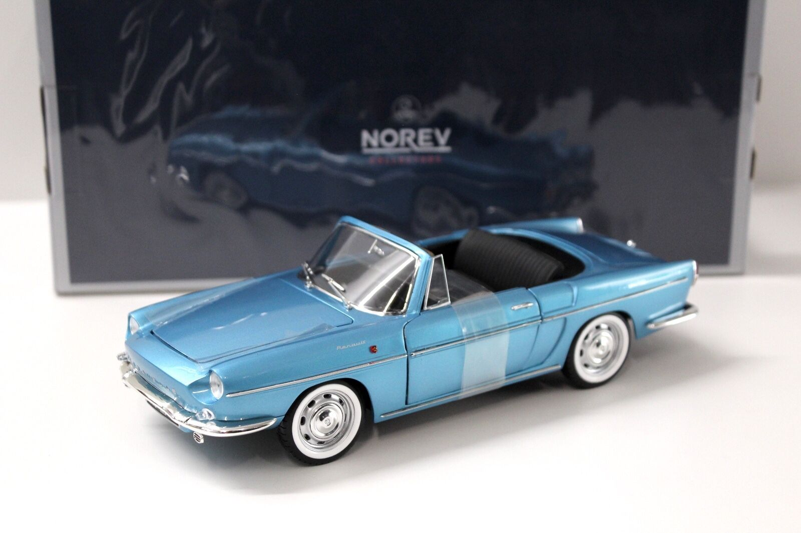 1 18 Norev Renault Caravelle Cabriolet 1964 bluee NEW in Premium-modelcars