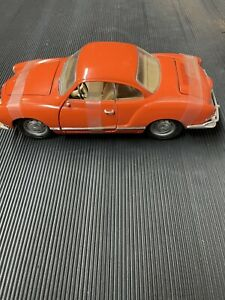 ROAD LEGENDS 1966 VOLKSWAGEN KARMANN-GHIA 1:18 DIECAST CAR # 92198