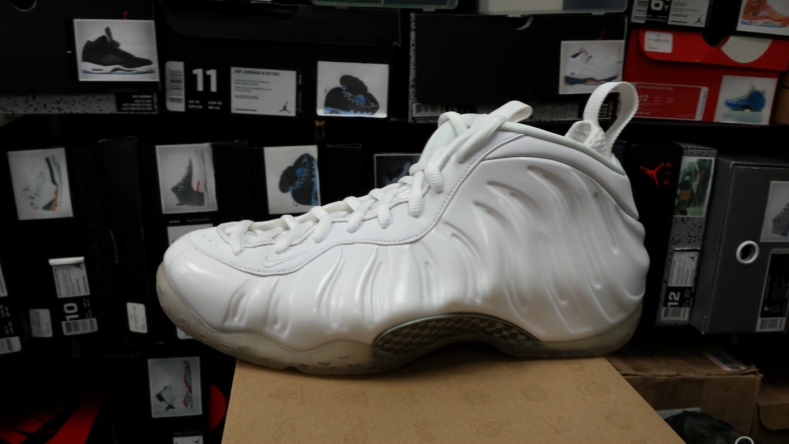 NIKE AIR FOAMPOSITE ONE   MEN SIZE 8  WHITE OUT   314996-100