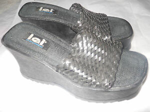 18d9d22bd8df Vintage 90s l.e.i. Women s 9.5M PLATFORM Sandals BLACK Slides