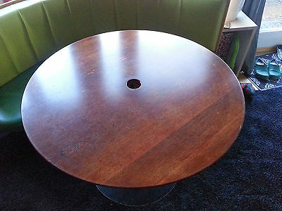 Metallfuß Tisch Rund.Tisch Rund Mit Rundem Metallfuss Das Rohr Ist Mit Bambus Verkleidet Ebay