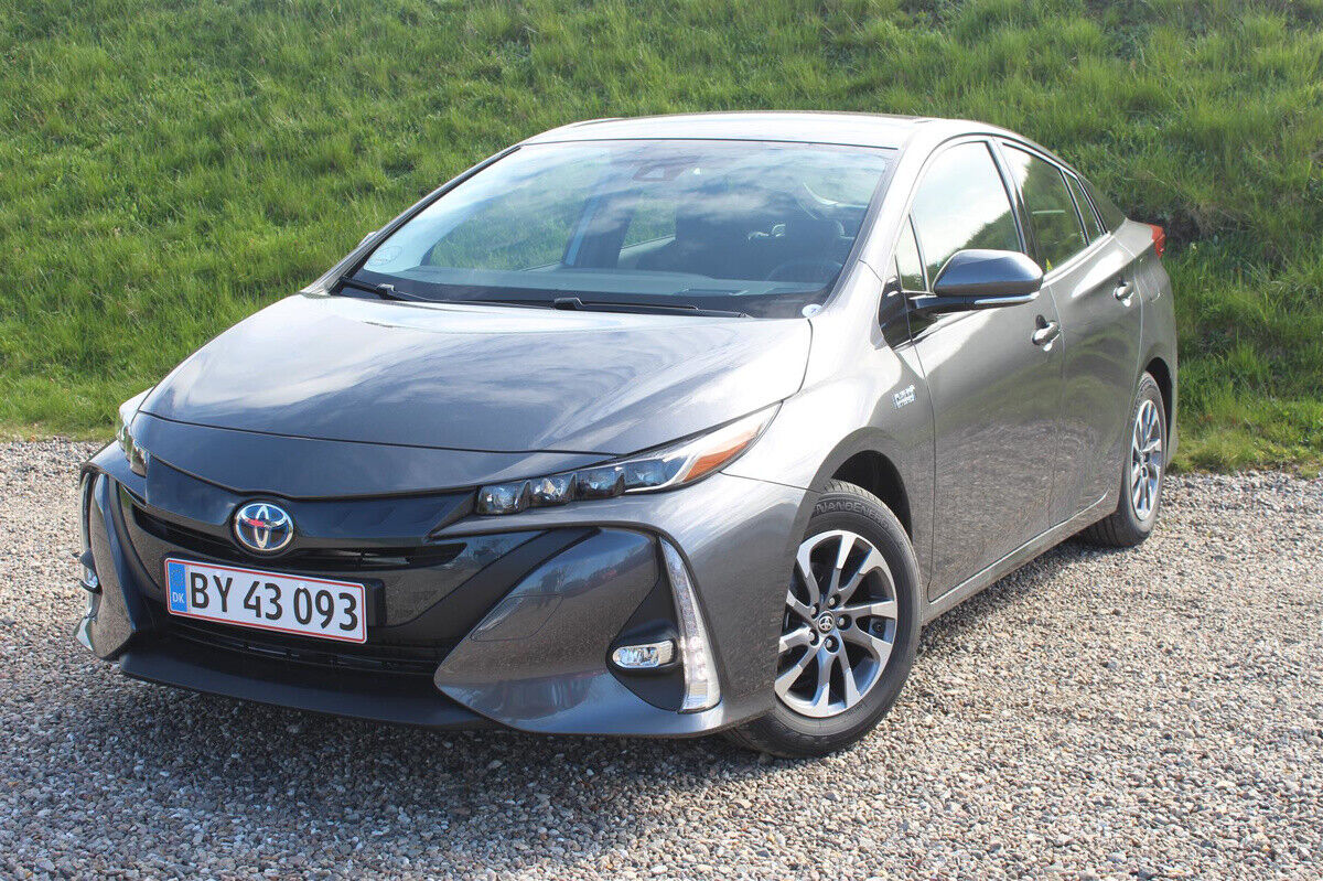 Toyota Prius 1,8 Plug-in Hybrid H3 MDS 5d - 249.900 kr.