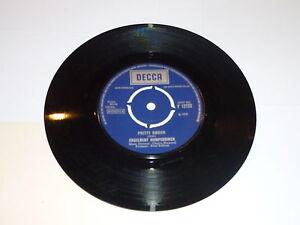 ENGELBERT-HUMPERDINCK-Am-I-That-Easy-To-Forget-1968-UK-7-034-vinyl-single